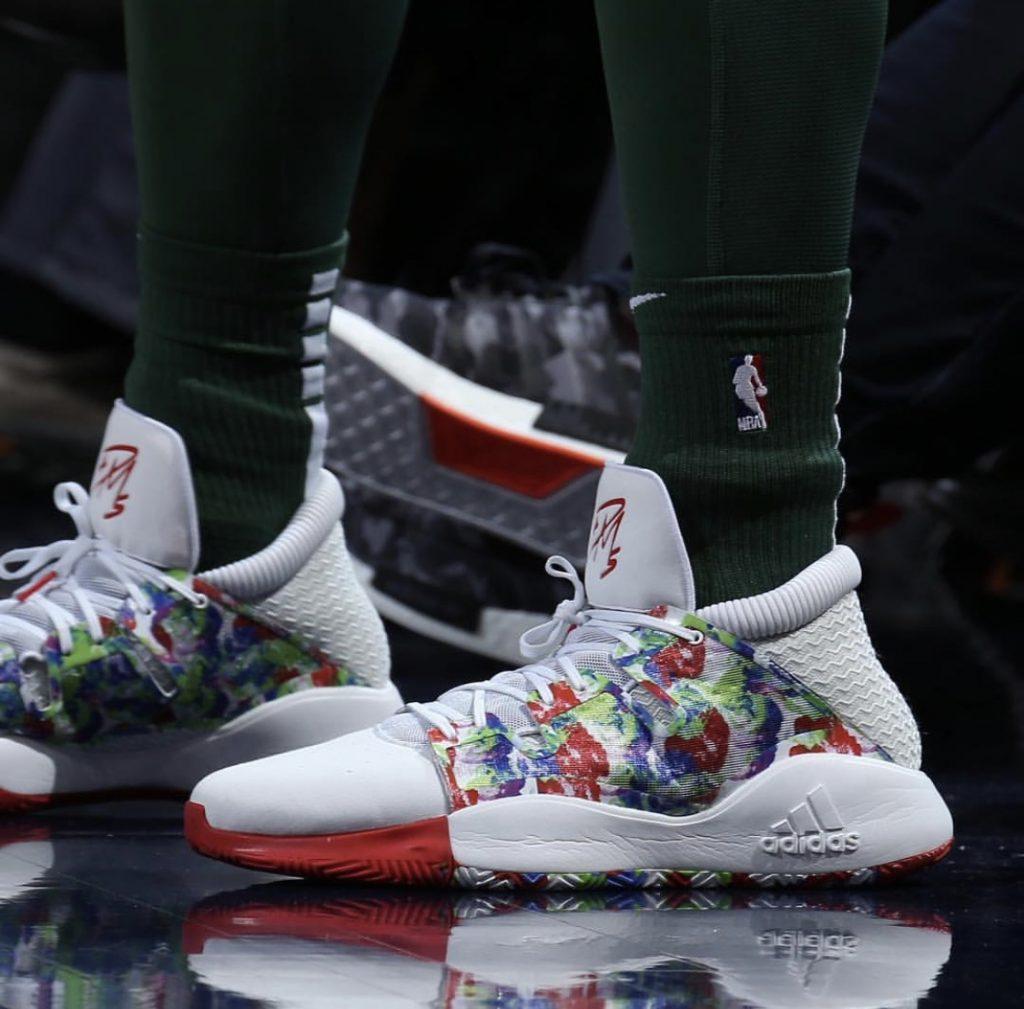 , NBA KICKS ON COURT : CHRISTMAS DAY 2018