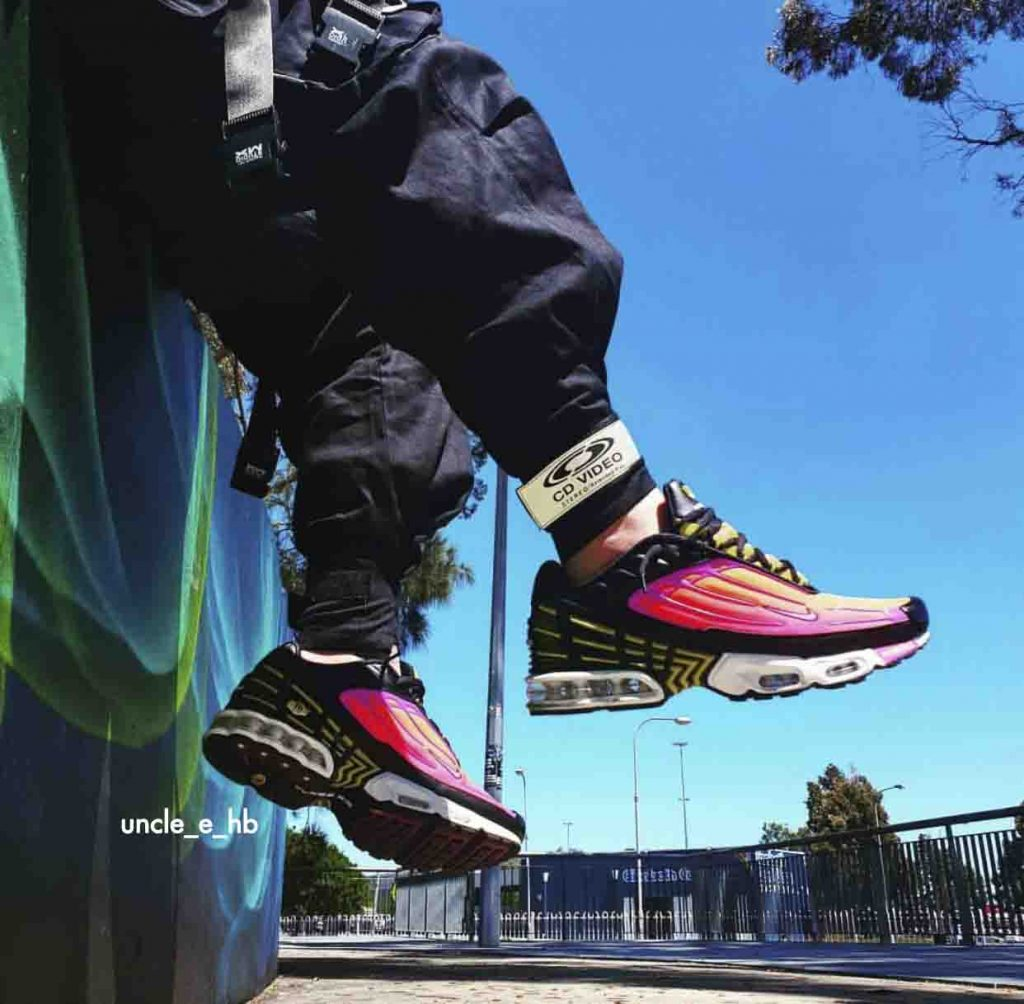 , The Kickz Stand's Top Weekly Hit List #18