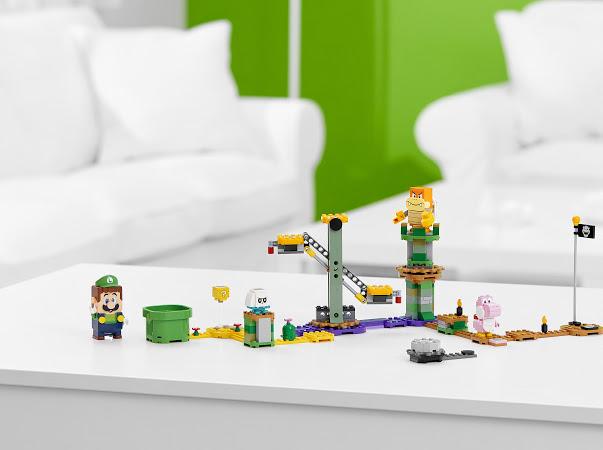 Luigi Starter Set, LEGO Super Mario: Introducing Adventures with the Luigi Starter Set